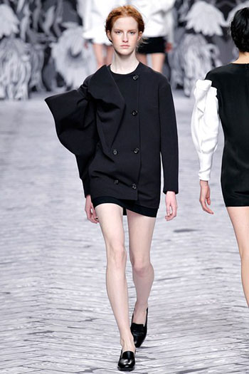 Viktor Rolf Fall Winter Fashion Trends For Women 13