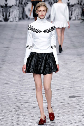 Viktor Rolf Fall Winter Fashion Trends For Women 15