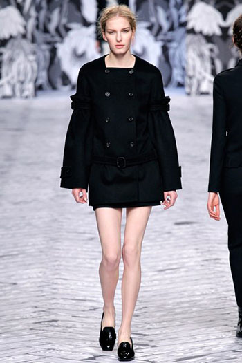Viktor Rolf Fall Winter Fashion Trends For Women 18
