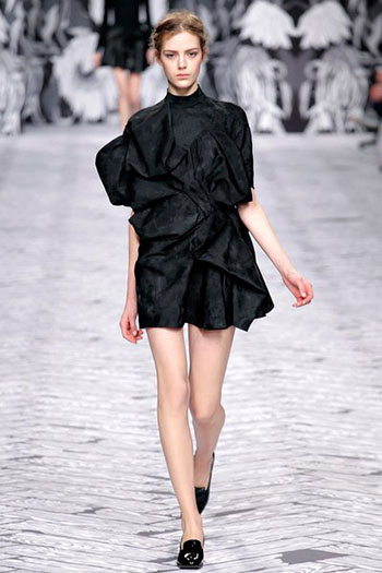 Viktor Rolf Fall Winter Fashion Trends For Women 2