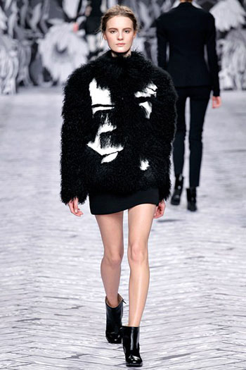 Viktor Rolf Fall Winter Fashion Trends For Women 21