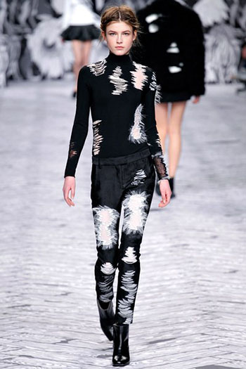 Viktor Rolf Fall Winter Fashion Trends For Women 22