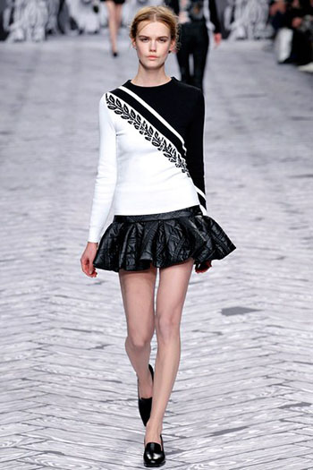 Viktor Rolf Fall Winter Fashion Trends For Women 23