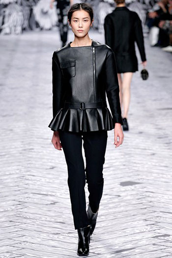 Viktor Rolf Fall Winter Fashion Trends For Women 25