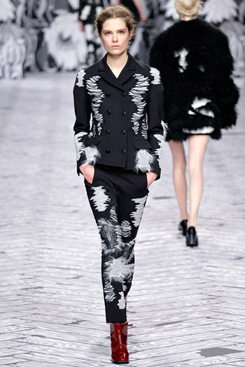 Viktor Rolf Fall Winter Fashion Trends For Women 28