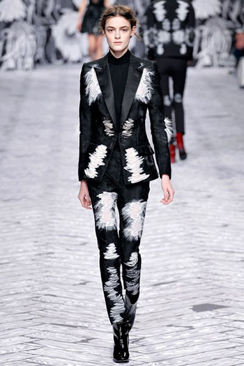 Viktor Rolf Fall Winter Fashion Trends For Women 29