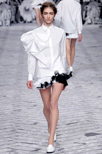Viktor Rolf Fall Winter Fashion Trends For Women 32