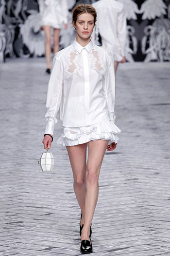 Viktor Rolf Fall Winter Fashion Trends For Women 34