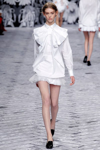 Viktor Rolf Fall Winter Fashion Trends For Women 35
