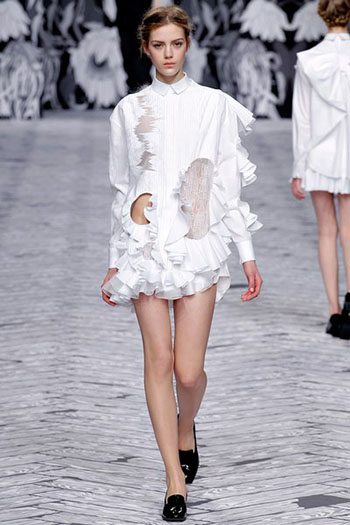 Viktor Rolf Fall Winter Fashion Trends For Women 36