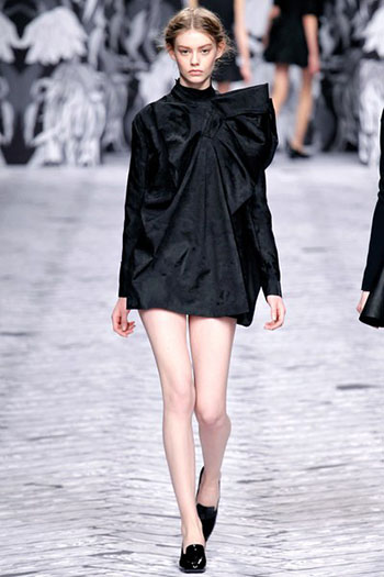 Viktor Rolf Fall Winter Fashion Trends For Women 4