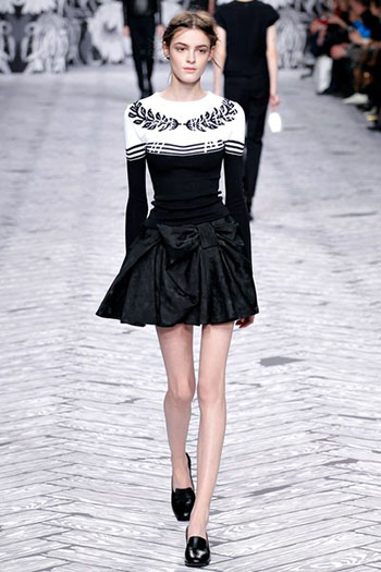 Viktor Rolf Fall Winter Fashion Trends For Women 7