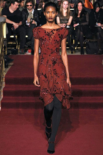Zac Posen Fall Winter Fashion Clothing Women Look 11