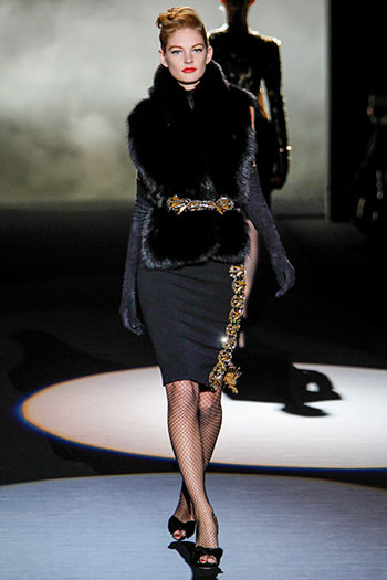 Badgley Mischka Fall Winter Fashion Women Look 3