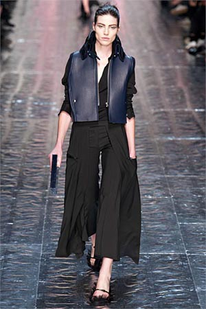 Acne-Studios-fashion-fall-winter-2015-2016-for-women-1