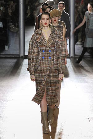 Acne-Studios-fashion-fall-winter-2015-2016-for-women-35