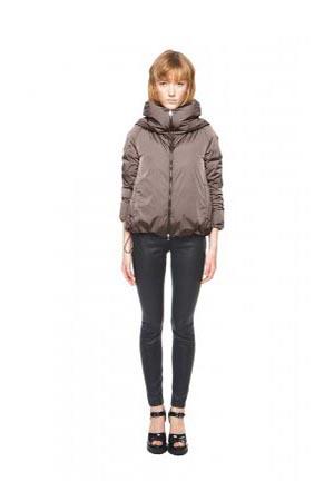 Add-down-jackets-fall-winter-2015-2016-womenswear-16