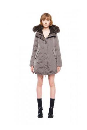 Add-down-jackets-fall-winter-2015-2016-womenswear-66