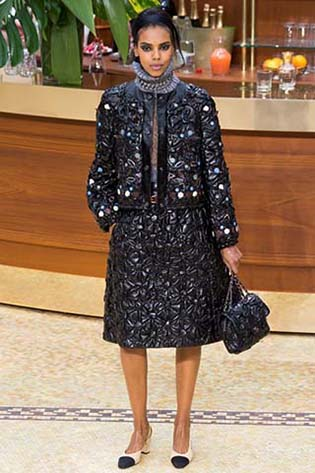 Chanel-fall-winter-2015-2016-for-women-12