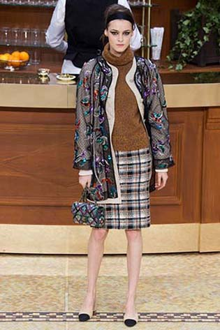 Chanel-fall-winter-2015-2016-for-women-23