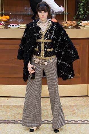 Chanel-fall-winter-2015-2016-for-women-56