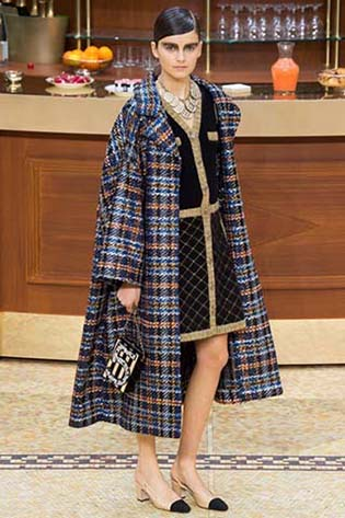 Chanel-fall-winter-2015-2016-for-women-59
