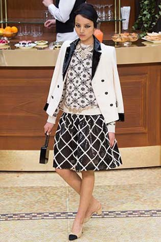 Chanel-fall-winter-2015-2016-for-women-70