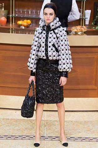 Chanel-fall-winter-2015-2016-for-women-8