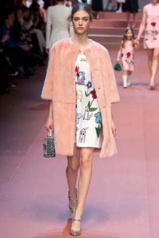 Dolce-Gabbana-fall-winter-2015-2016-for-women-29