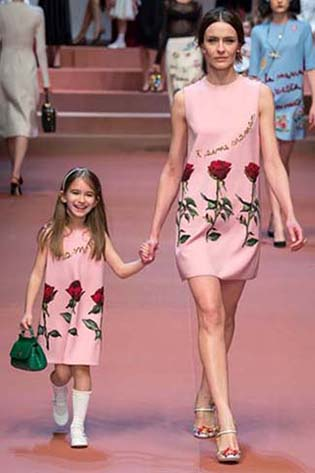 Dolce-Gabbana-fall-winter-2015-2016-for-women-30