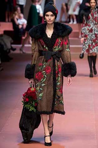 Dolce-Gabbana-fall-winter-2015-2016-for-women-78