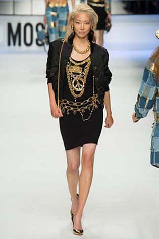 Moschino-fall-winter-2015-2016-for-women-32
