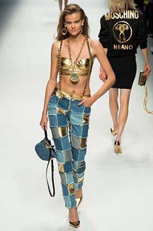 Moschino-fall-winter-2015-2016-for-women-33
