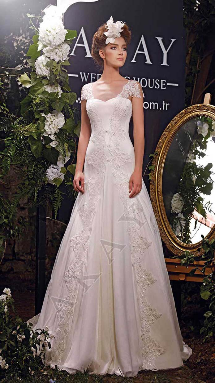 Akay-wedding-spring-summer-2016-bridal-look-1