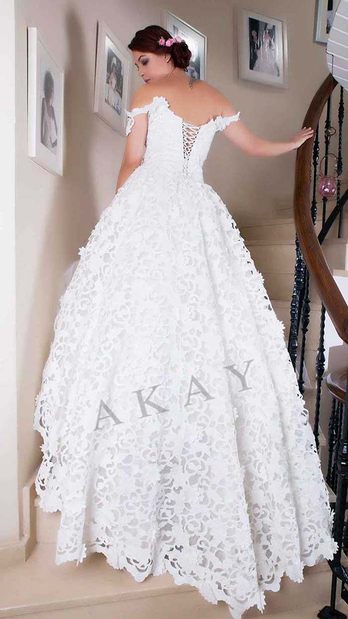 Akay-wedding-spring-summer-2016-bridal-look-26