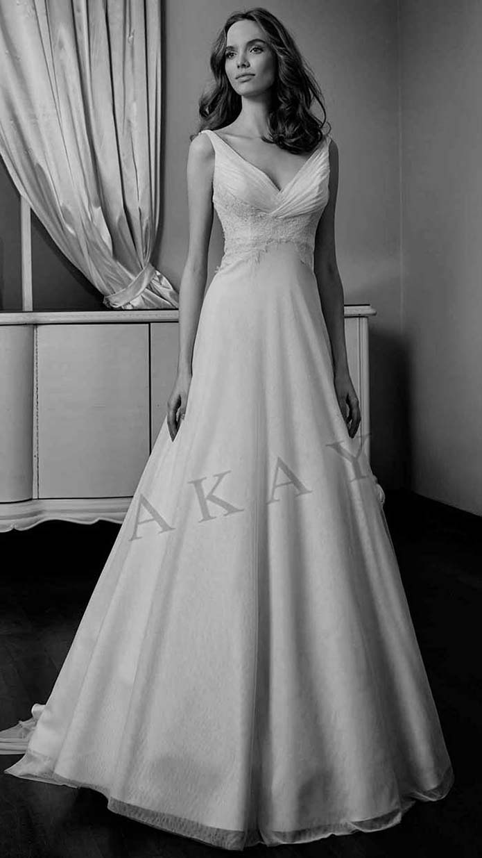 Akay-wedding-spring-summer-2016-bridal-look-35