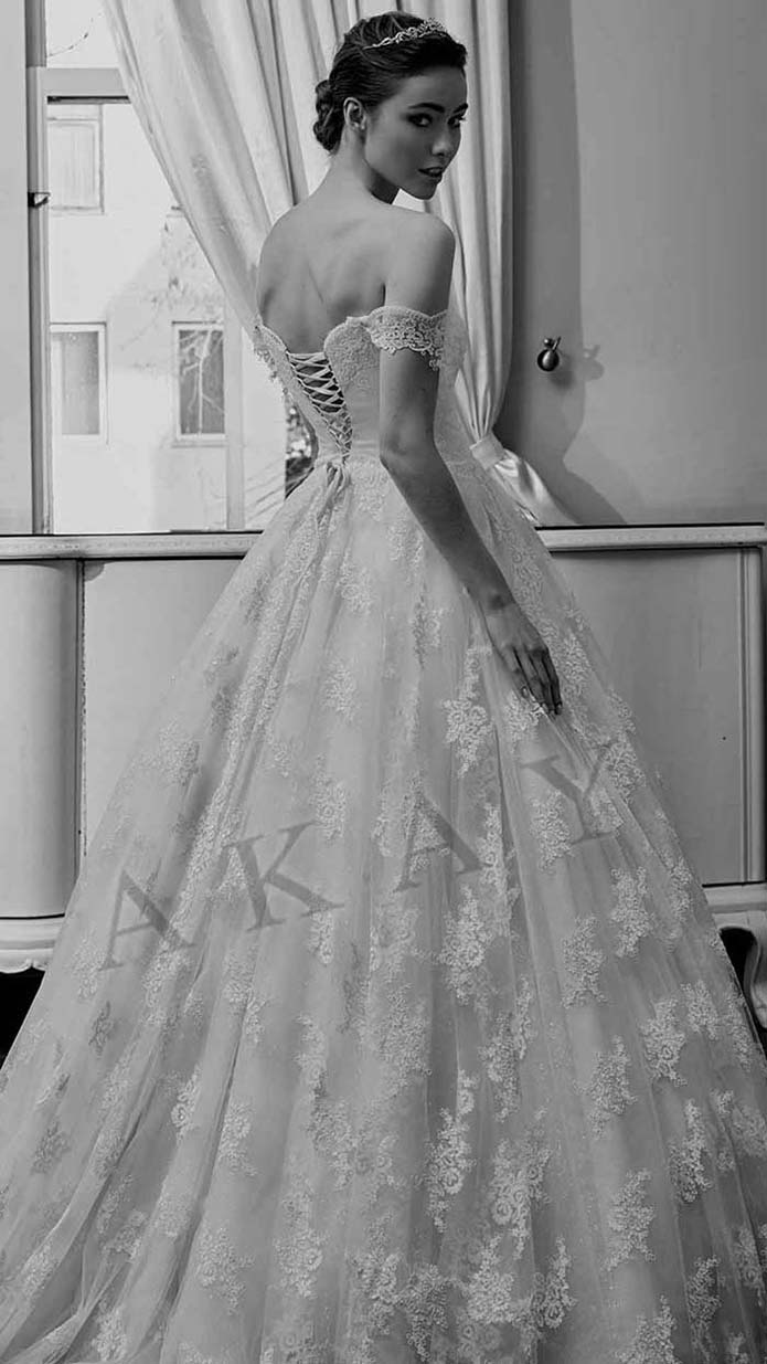 Akay-wedding-spring-summer-2016-bridal-look-42