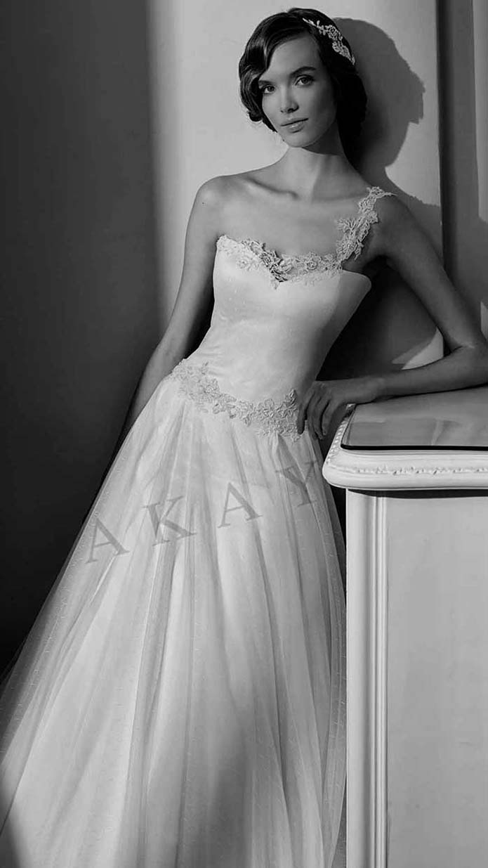 Akay-wedding-spring-summer-2016-bridal-look-54