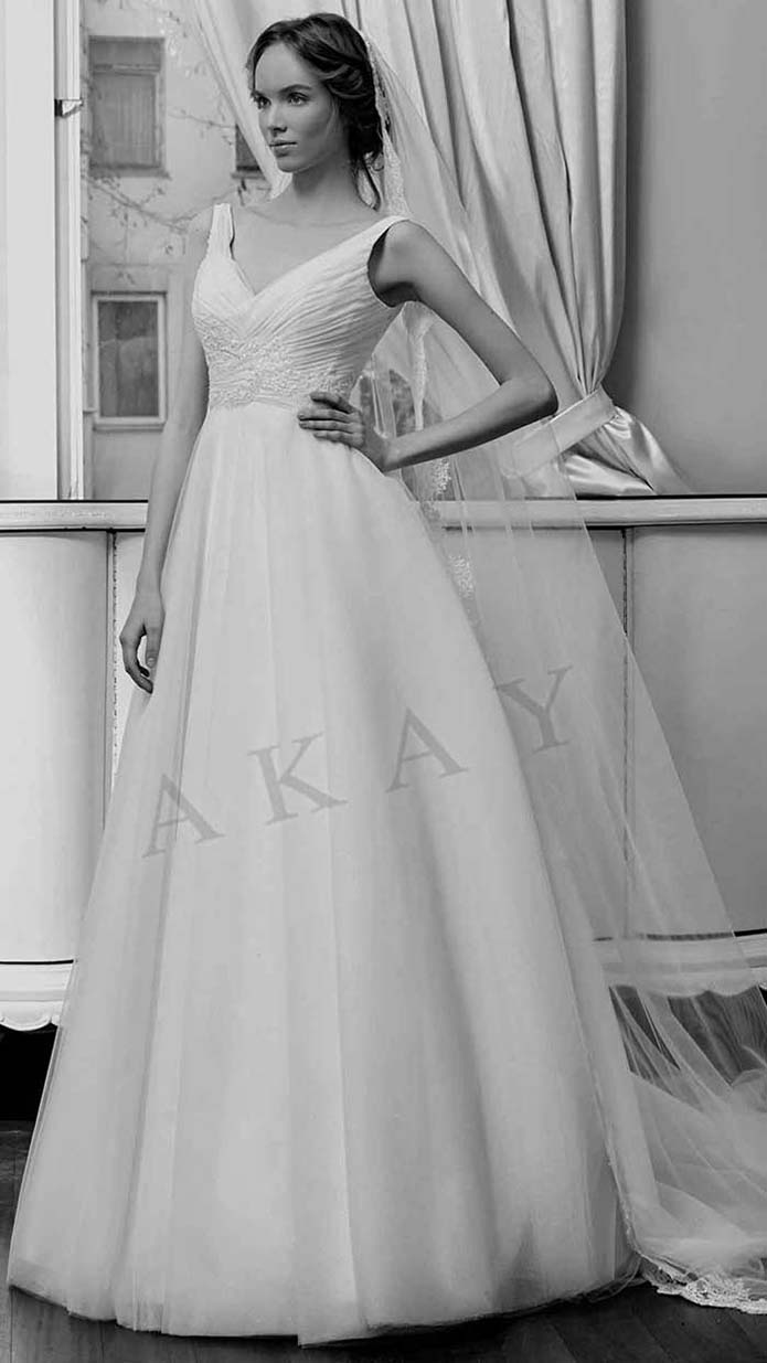 Akay-wedding-spring-summer-2016-bridal-look-56