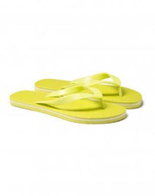 Benetton-swimwear-spring-summer-2016-flip-flops-72