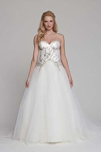 Angel-Rivera-wedding-spring-summer-2016-bridal-look-5