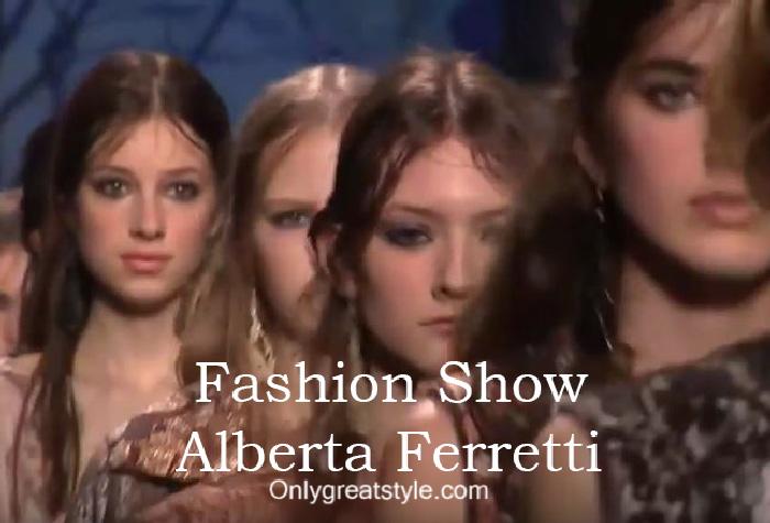 Alberta Ferretti fashion show fall winter 2016 2017 for women