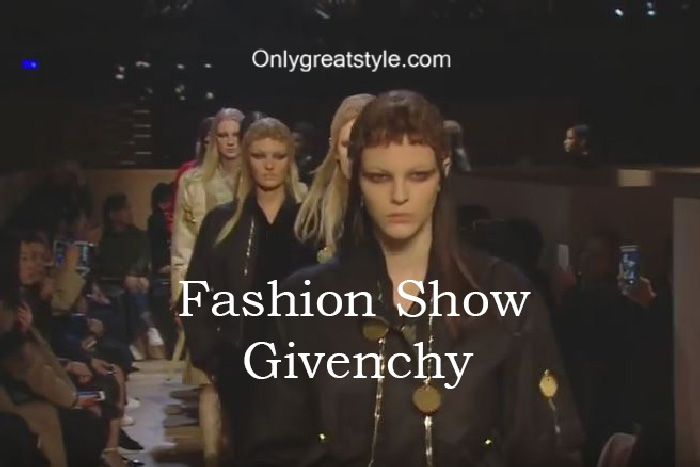 givenchy-fashion-show-fall-winter-2016-2017-for-women