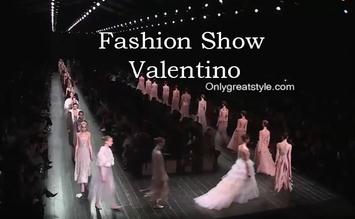 Valentino fashion show fall winter 2016 2017 for women
