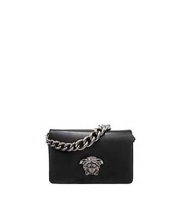 Versace-bags-fall-winter-2016-2017-for-women-look-18