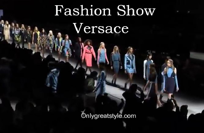 Versace fashion show fall winter 2016 2017 for women