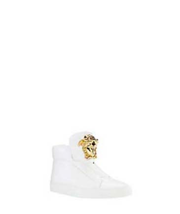 Versace-shoes-fall-winter-2016-2017-for-women-look-6
