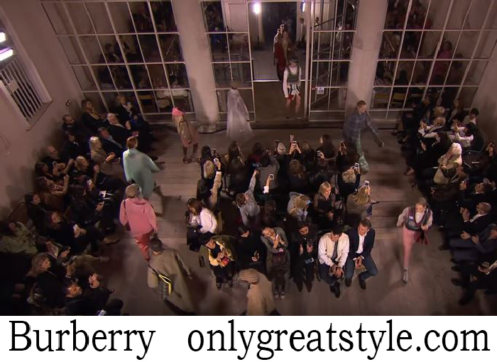 Fashion Show Burberry Men's Spring Summer 2018